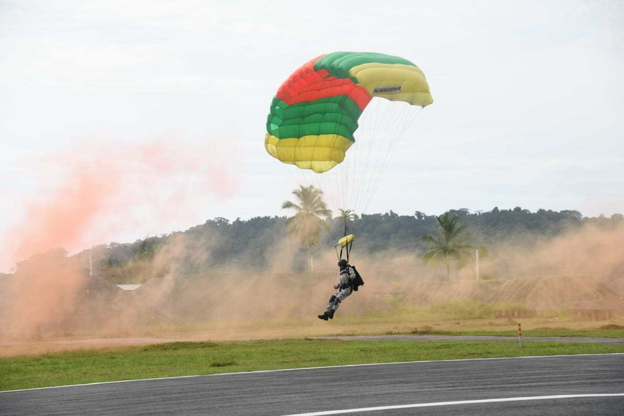 Combat Free Fall Exercise by MARCOS - 1