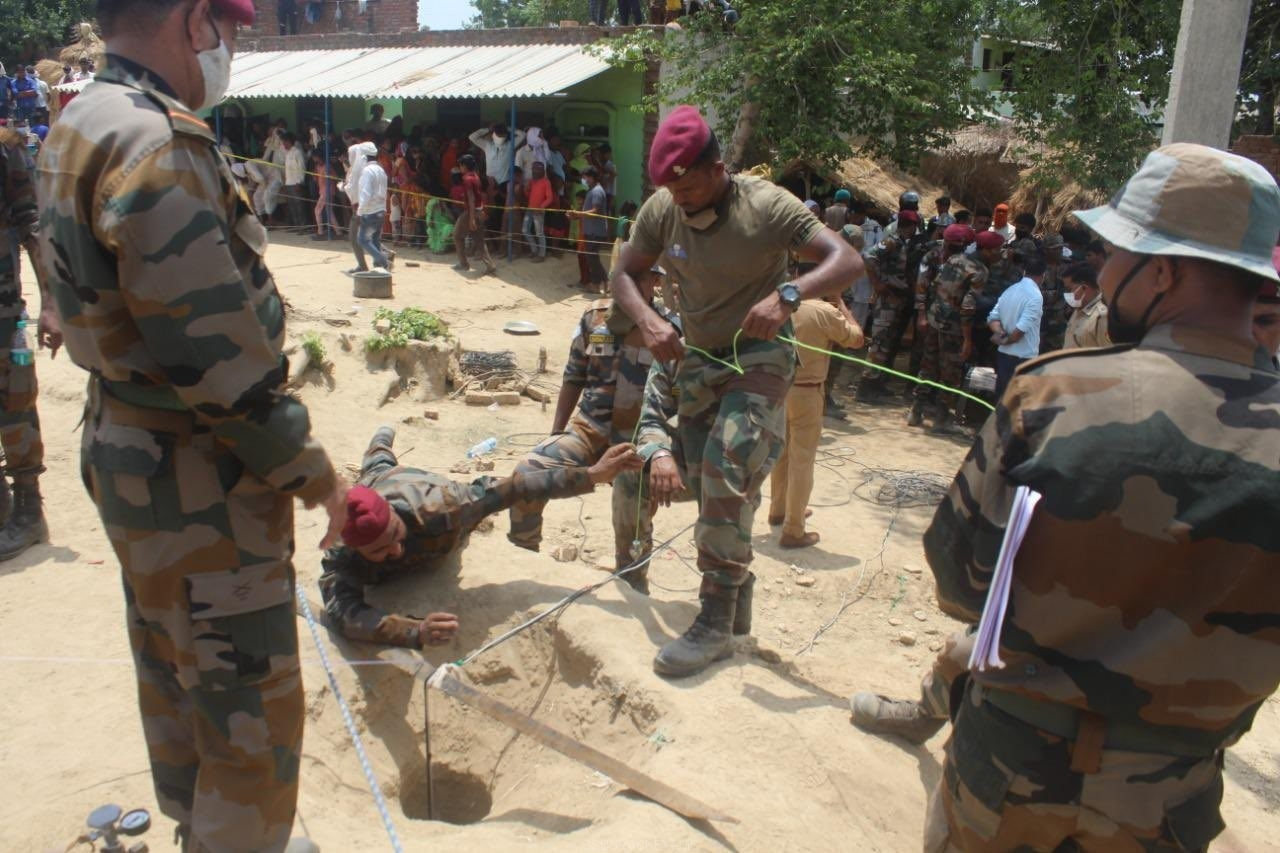 Indian Army Para-Sappers Of Shatrujeet Brigade Swung Into Action And Saved An Innocent Life - 1