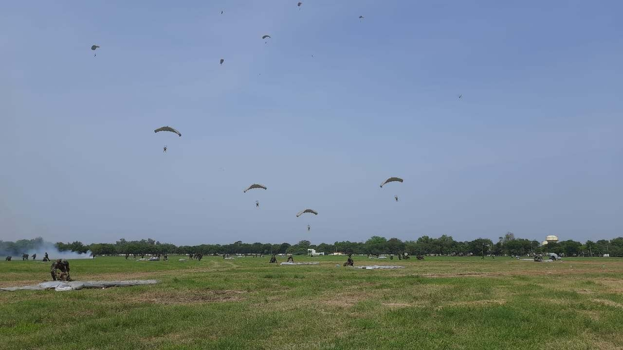 Paratroopers of the Parachute Brigade - 1