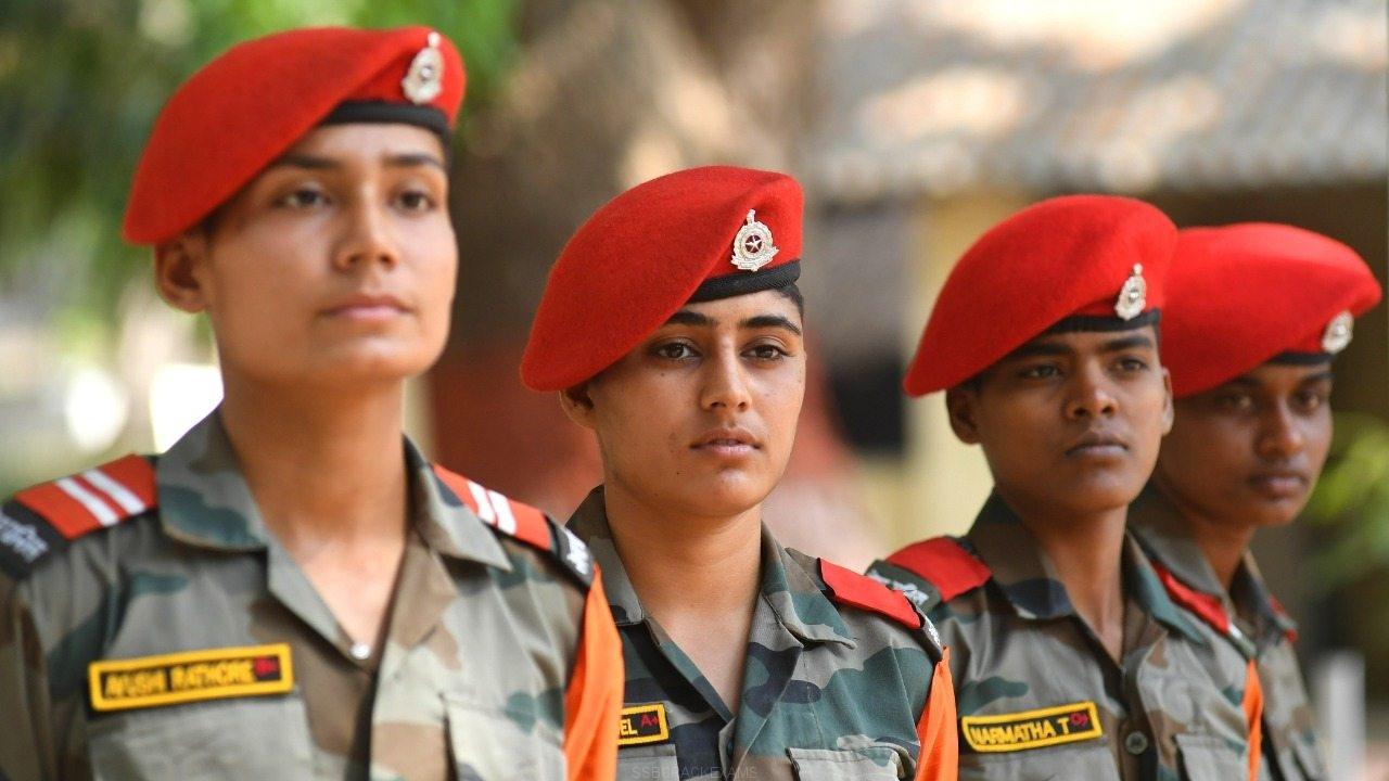 women-military-police-14